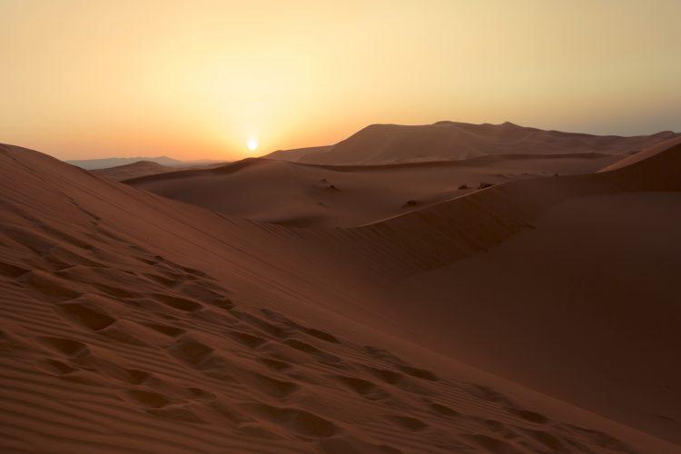 morocco-sahara-desert-merzouga-dunes-sunset-leonardo-tamburri-2014-img8320-lg-rgb