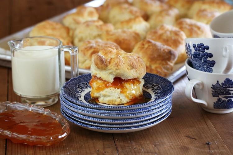 Apricot-Jam-scones