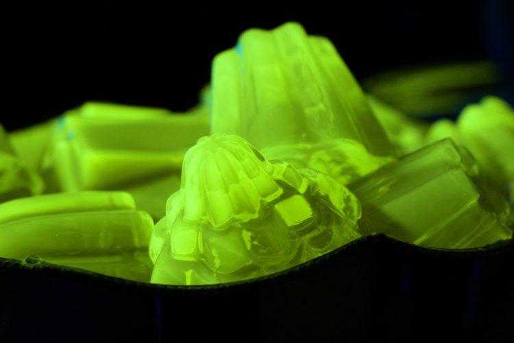 Neon Jelly Chamber / Ann Charlott Ommedal