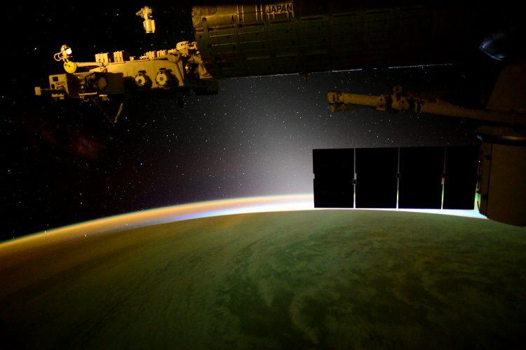 astronomy-milky-way-magelanic-cloud-131j6432